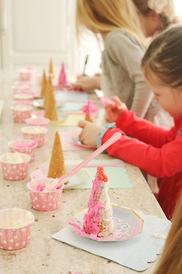 unicorn-birthday-party-decorating-cones.jpg