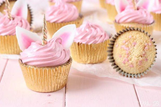 unicorn-cupcakes-einhorn-rezept-backen-ma%cc%88dchen-geburtstag-4