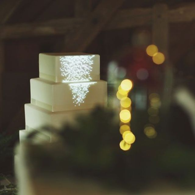 wedding-cake-projection-mapping-uk