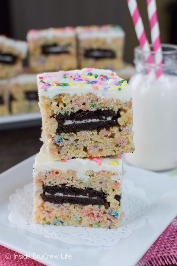 Oreo-Stuffed-Rice-Krispie-Treats-1-1.jpg