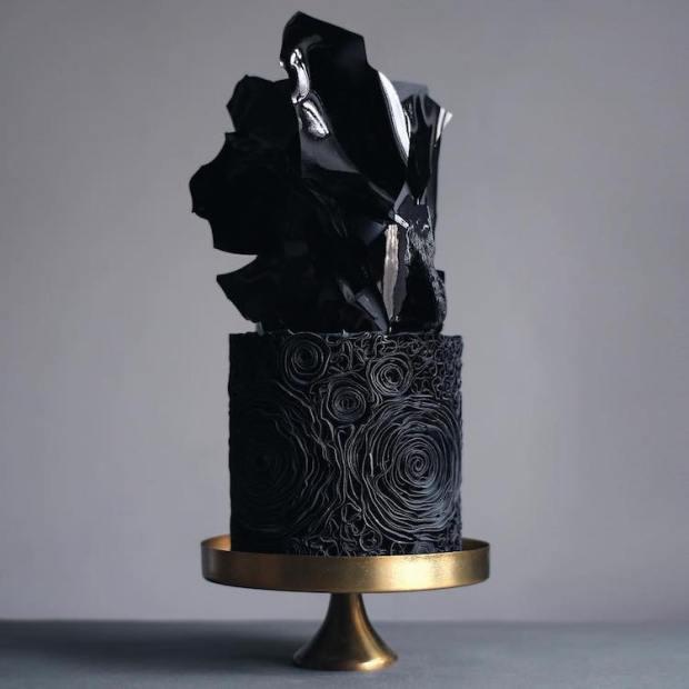 dark-wedding-cakes-17.jpg