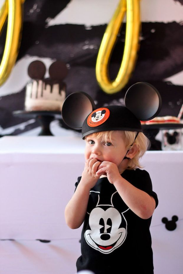 Classic-Mickey-Mouse-Birthday-Party-via-Karas-Party-Ideas-KarasPartyIdeas.com14.jpg