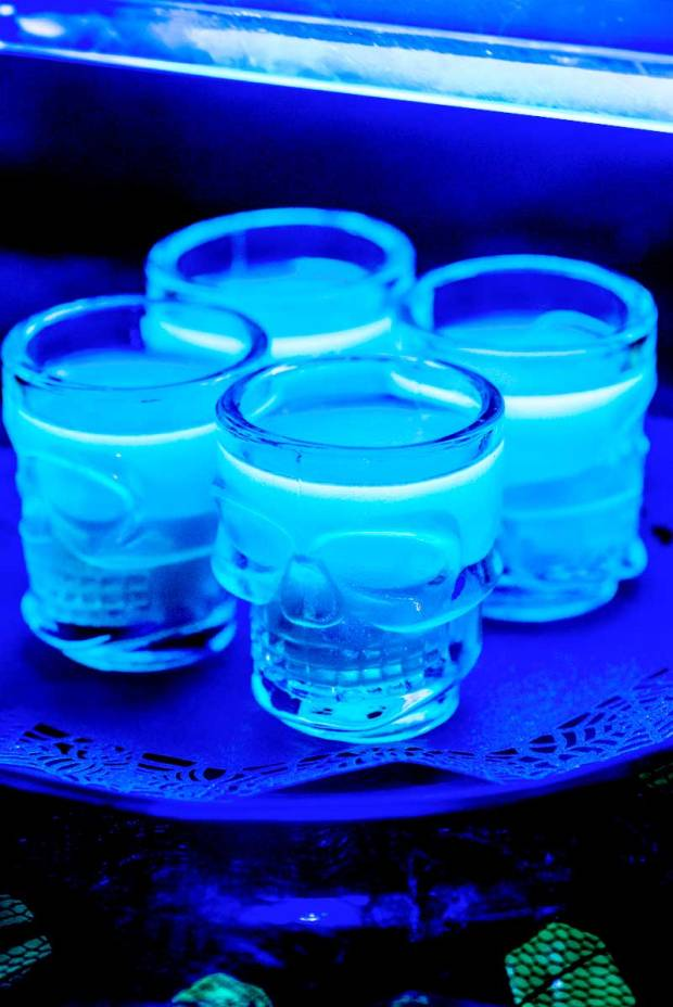 Glow-in-the-Dark-Jello-Shots-1b