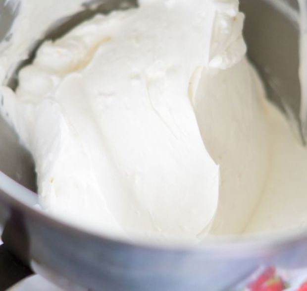 swiss-meringue-buttercream-smooth copy.jpg