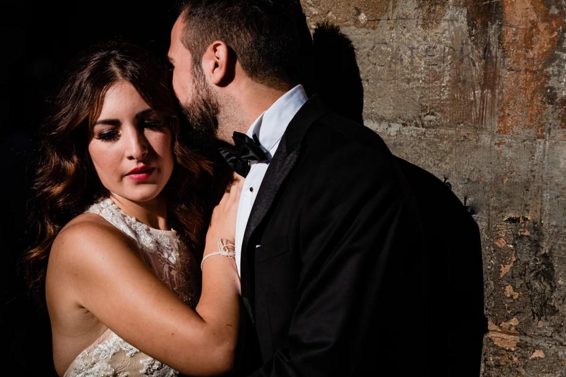 LuzdeBarcelona-boda-fotografo-postboda-gotico-Barcelona-21