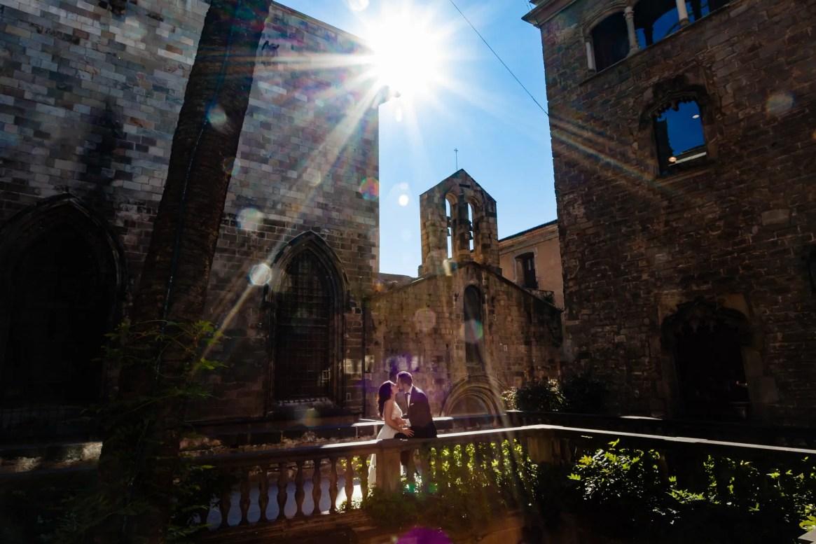 LuzdeBarcelona-boda-fotografo-postboda-gotico-Barcelona-35