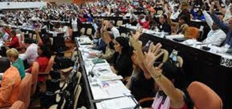 Cuba define su primer gobierno sin un Castro