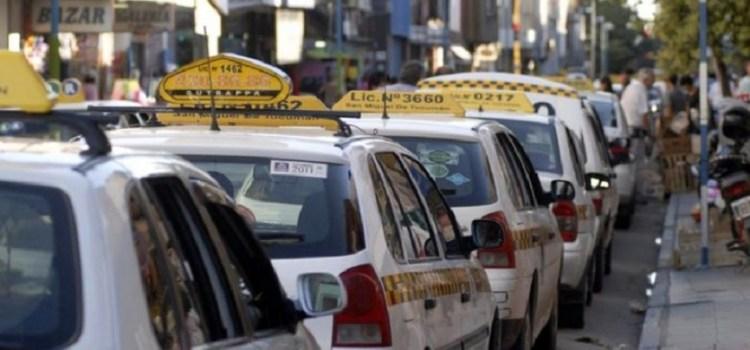 Este martes paran los taxistas