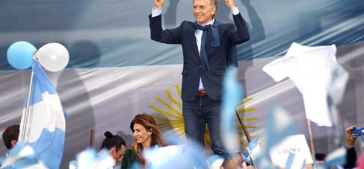 Macri llega a Tucumán con la marcha del «Sí se puede»