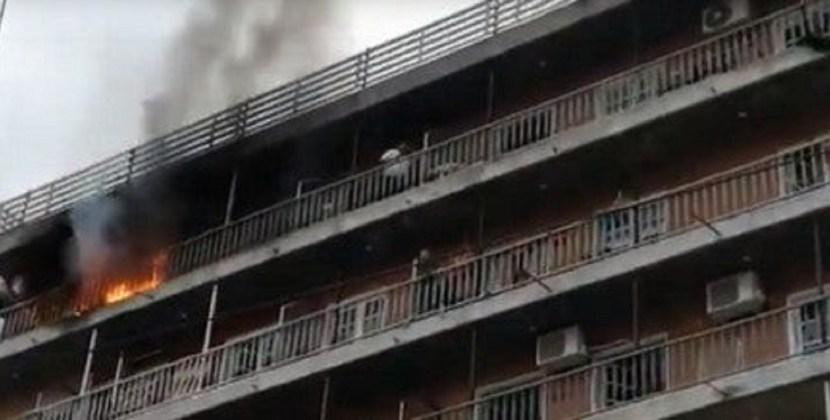 Sofocaron el incendio en un edificio de barrio Sur