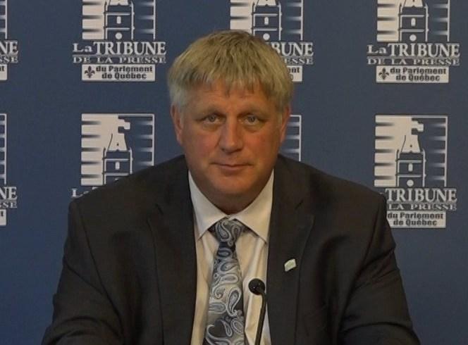 Sylvain Pion, 1er vice-président, Christian Overbeek, président, et Benoit Legault, directeur général des Producteurs de grains du Québec.