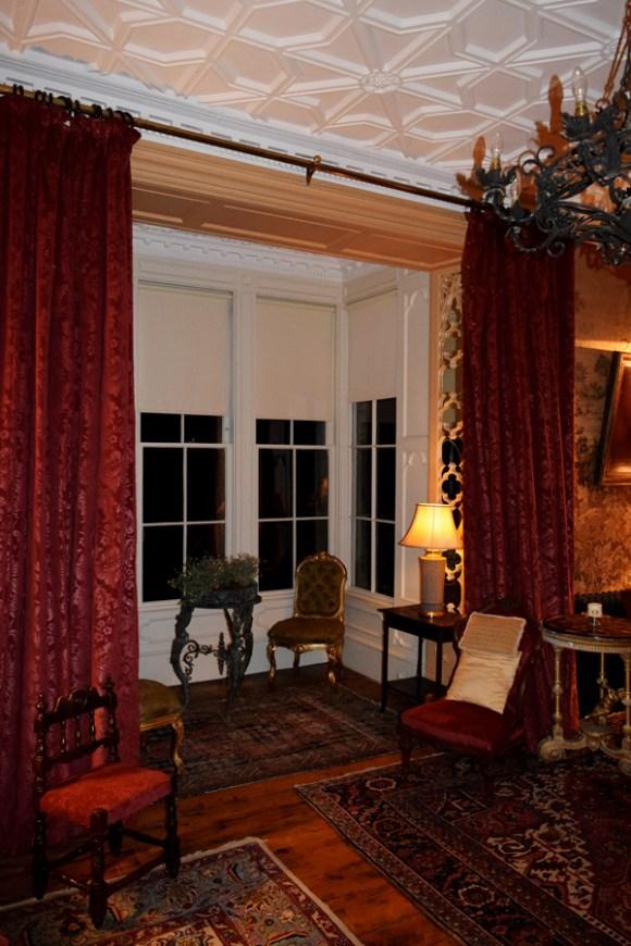 Huntington Castle Sitting Room © Lavender's Blue Stuart Blakley
