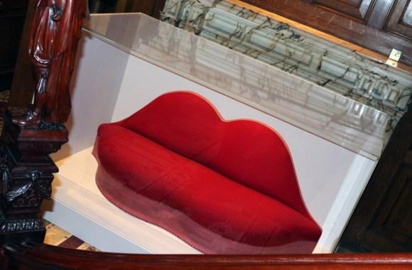 mae-west-lips-sofa-lavenders-blue-stuart-blakley