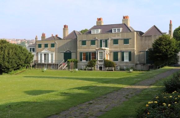 Preston Manor Brighton Lawn © Lavender's Blue Stuart Blakley