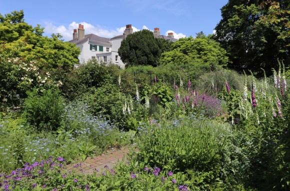 Preston Manor Brighton Walled Garden © Lavender's Blue Stuart Blakley