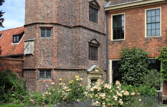Clifton House King's Lynn Garden Elevation © Lavender's Blue Stuart Blakley