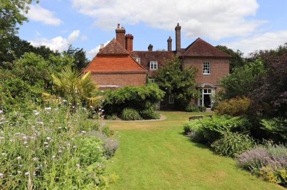 Sprivers House Kent Side Elevation © Lavender's Blue Stuart Blakley
