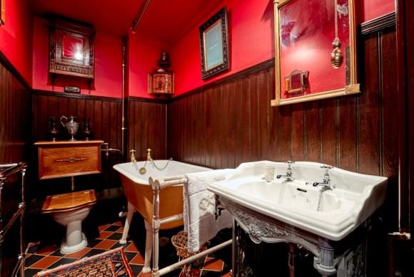 lavender's blue bathroom © lavender's blue stuart blakley