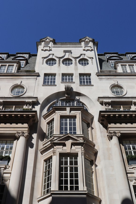 Rosewood Hotel Holborn London Courtyard © Lavender's Blue Stuart Blakley