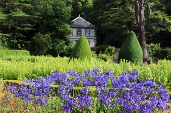 Dunrobin Castle Flowers © Lavender's Blue Stuart Blakley