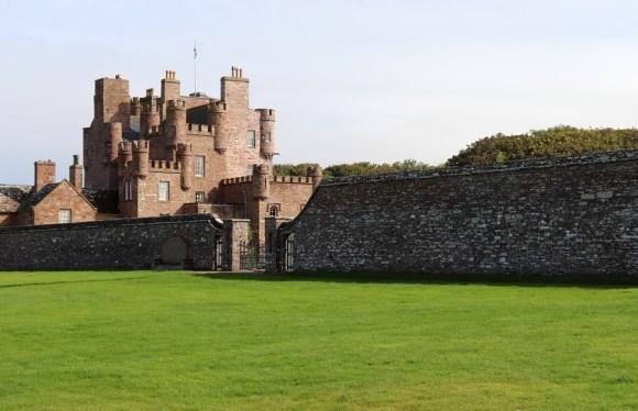 The Castle of Mey Caithness Lawn © Lavender's Blue Stuart Blakley