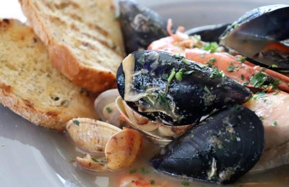 vertige-65-restaurant-shellfish-montenegro-c2a9-lavenders-blue-stuart-blakley-1