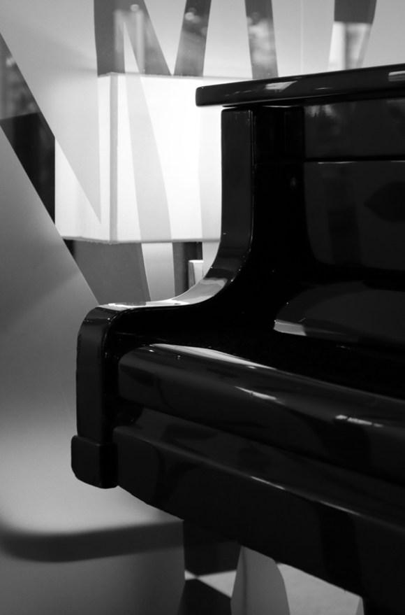 Chelsea Harbour Hotel Piano © Lavender's Blue Stuart Blakley