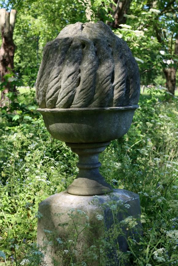 St Mary's Cemetery Battersea London Urn © Lavender's Blue Stuart Blakley