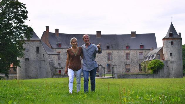 Roselyne et Jehan-Philippe De Lastic reçoivent régulièrement le public dans leur château.