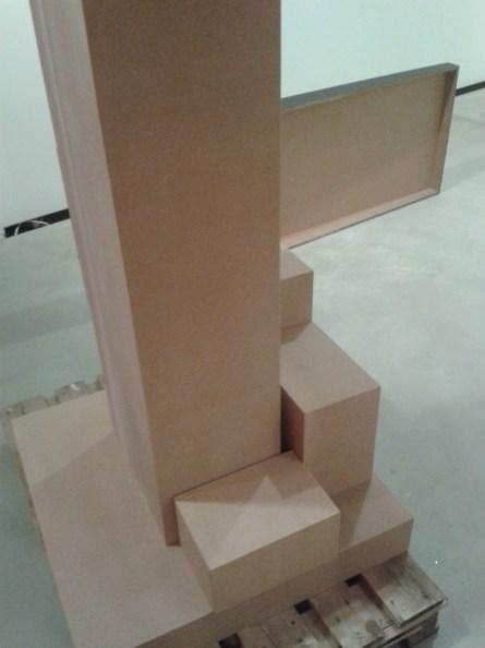 Jede Menge neue Sockel werden gebaut, in den unterschiedlichsten Größen und Formen.