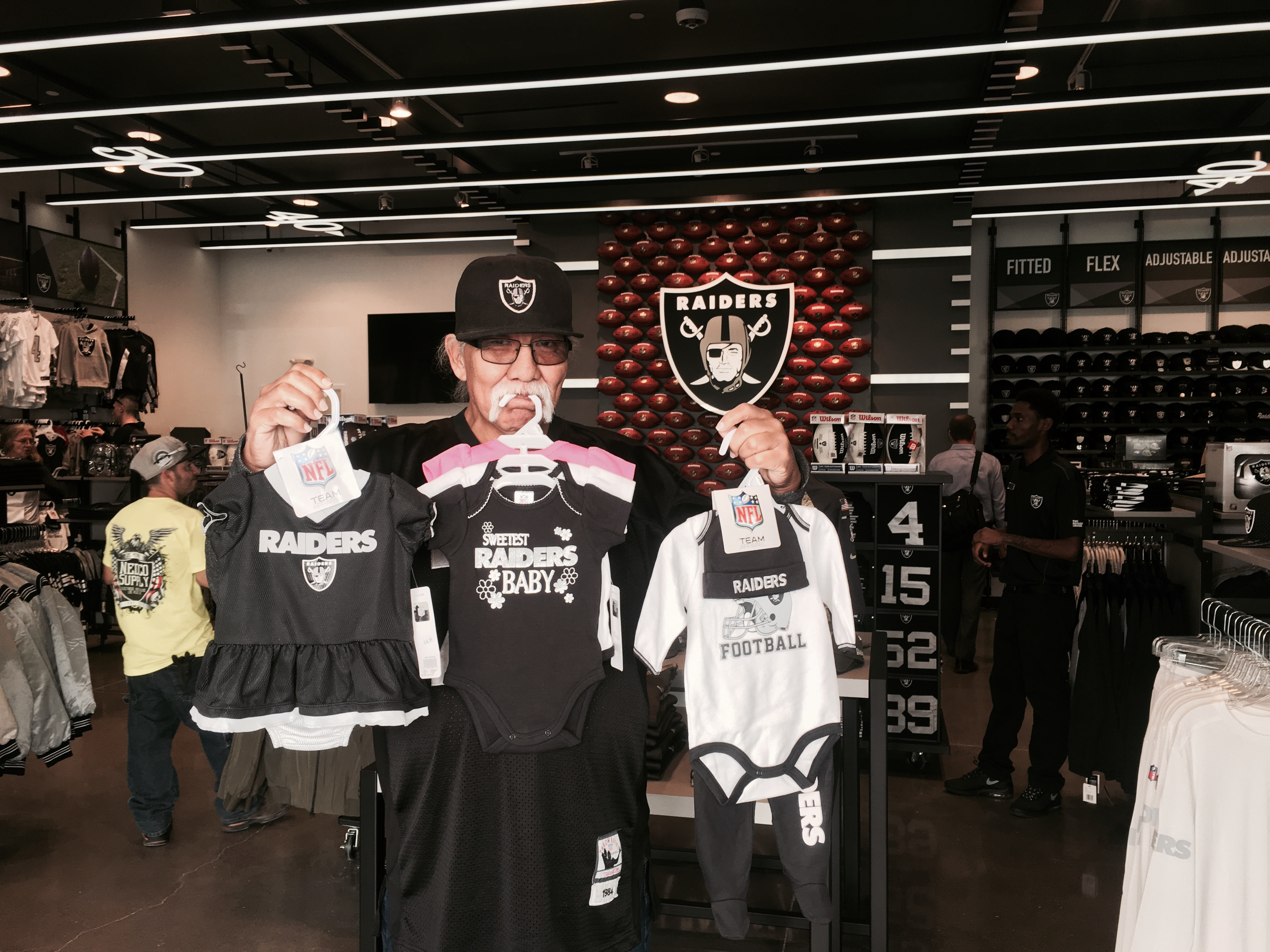 e569546072b Raiders Open New Team Store In Las Vegas and Surprise Guest Comes Strolling  By - LVSportsBiz