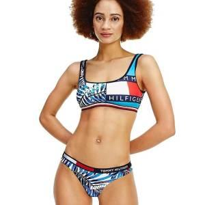 Tommy Hilfiger plavky dámske-nohavičky-brazilky Contrast Print Brazilian 0K5