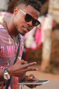 IMG 8981 200x300 Sud-Kivu: Baby's pro, un jeune  producteur à la tendance panafricaniste
