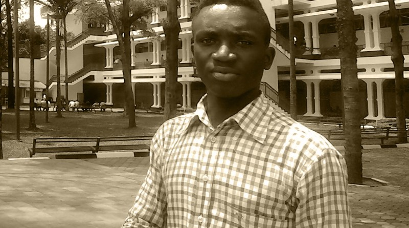 À 22 ans, Amini Cishugi est écrivain, éditeur et Youtubeur