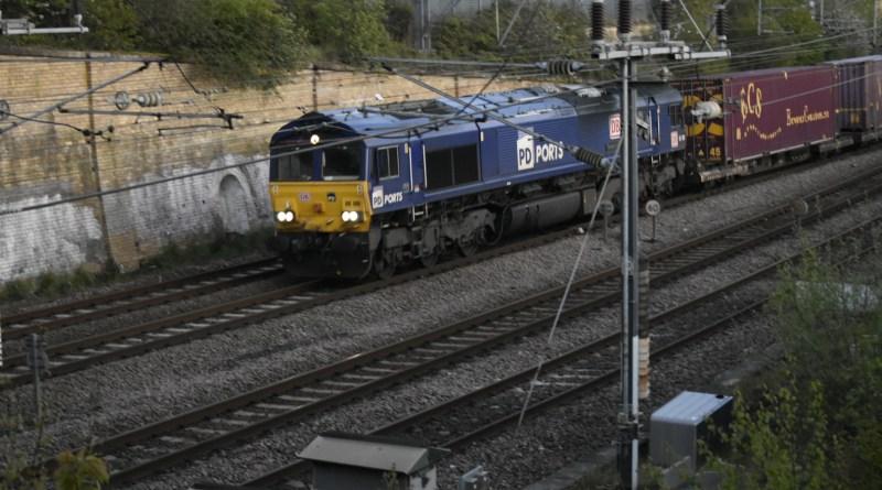LW Rail Track To 1000