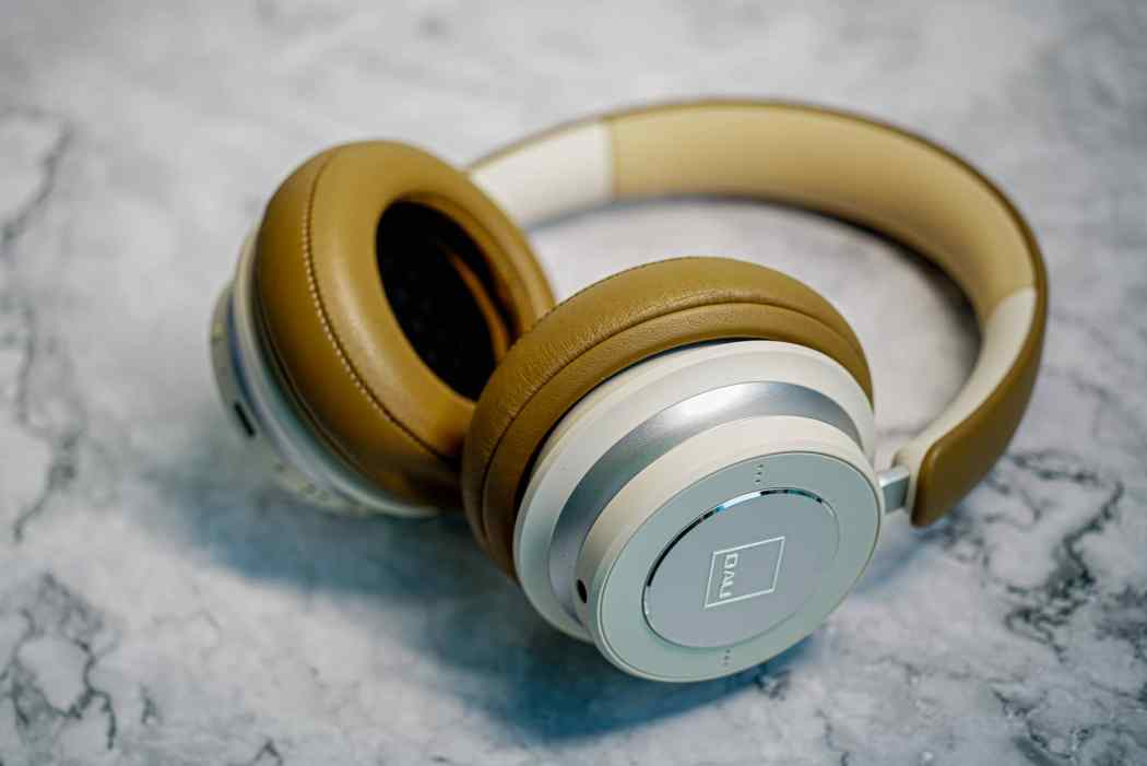 DALI-IO-6-Premium-Hi-Fi-Headphones-LXRY-2021–01