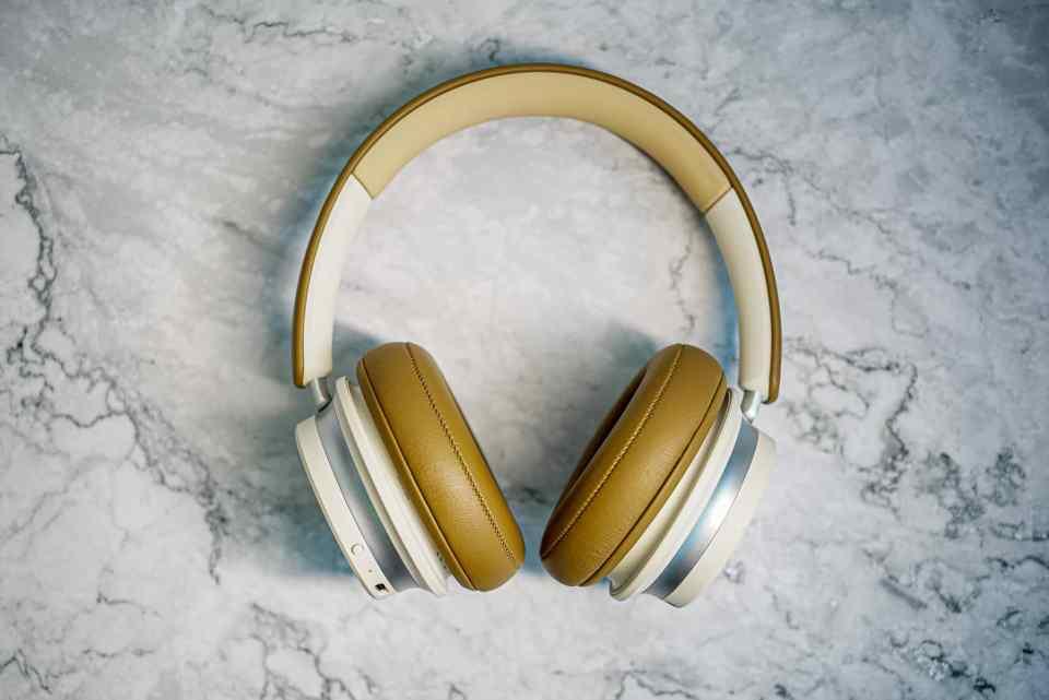 dali io 6 premium hi fi headphones lxry 2021 04