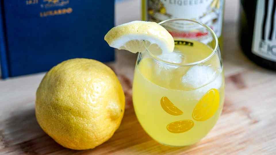 Luxardo Limoncello Spritz, Cocktails, Easy To Make, Limoncello Drinks, What to pair with Limoncello, National Spritz Day