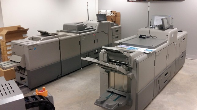 Le parc des presses numériques du pôle plurimédia du lycée La Fayette de Clermont-Ferrand. vue numéro 3