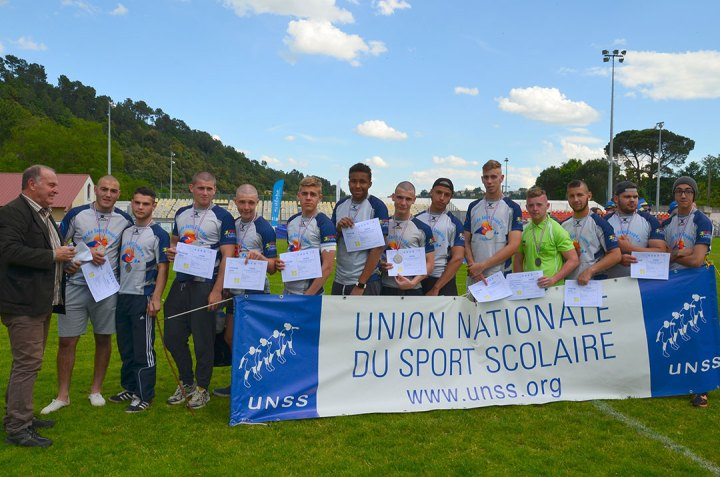 Groupe-St-Ex-France-Aubenas-Podium