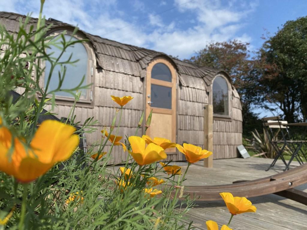 Prosecco couples cabin