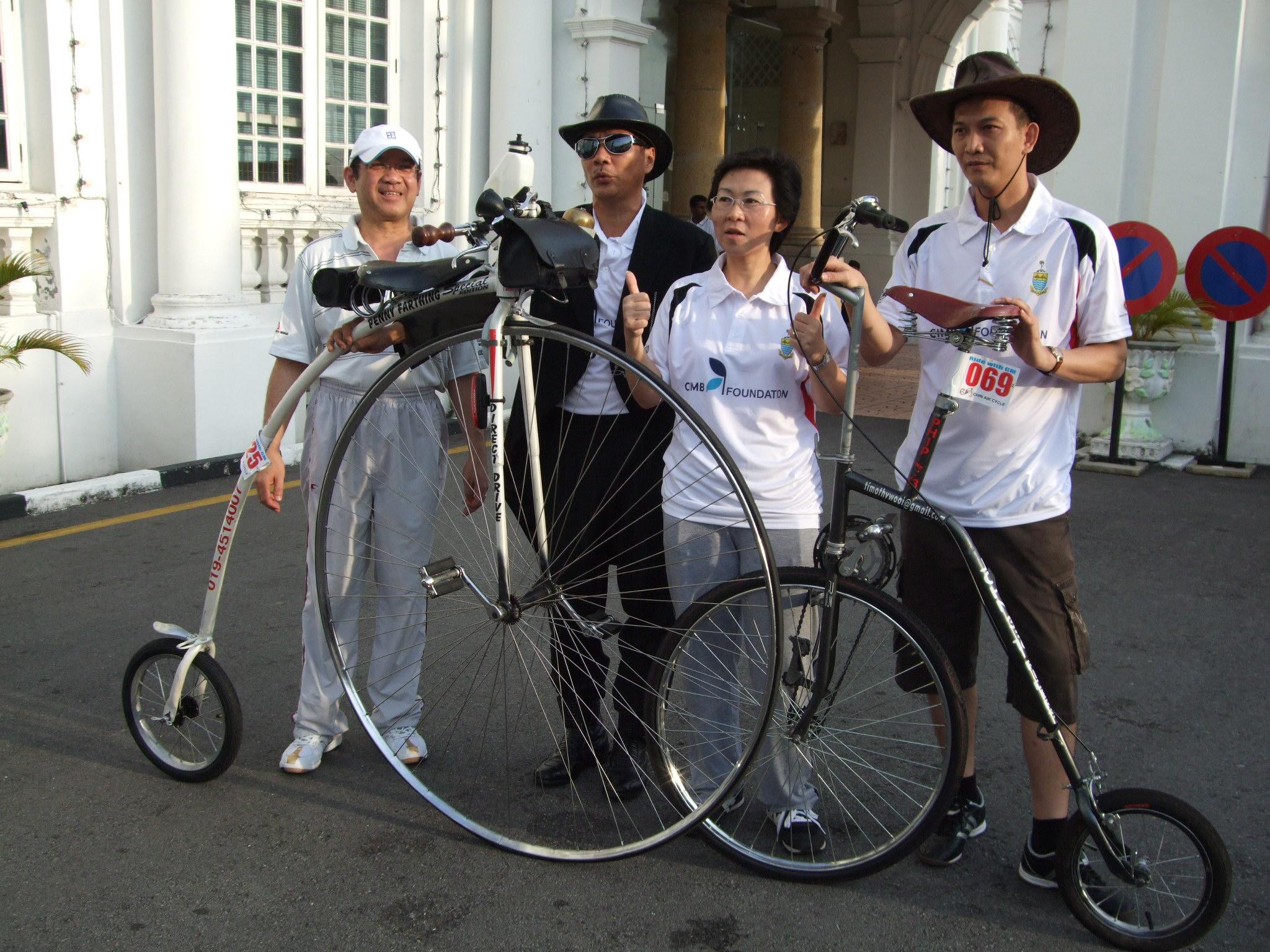 王傳丁和余建錸兩師徒的自制Penny Farthing,讓古董腳車風華重現。