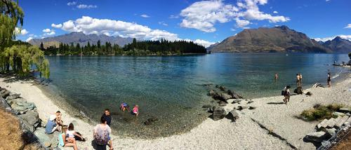 View of Lake Wanaka. Check out the crystal clear waters!