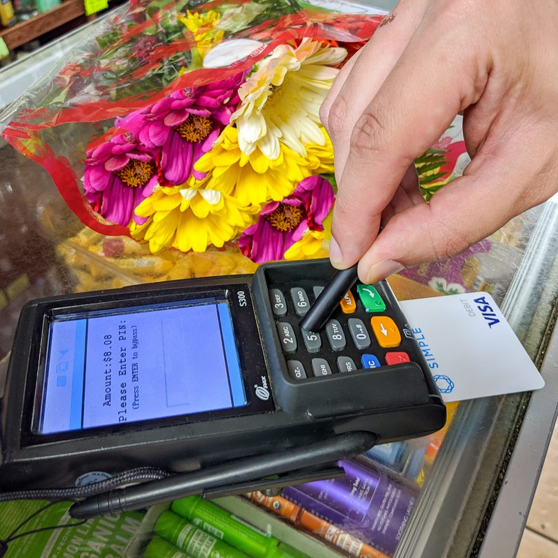 ppe, stylus, black stylus, safe from viruses, credit card reader, paying with credit card reader, buying flowers, point of sale, pos