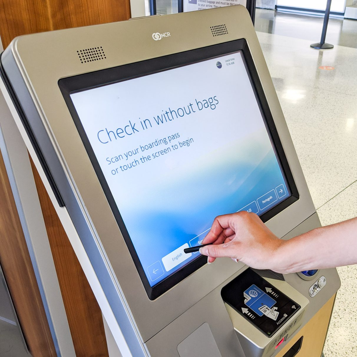 airport, airport kiosk, safe from viruses, ppe, kiosk, stylus, touchscreen, touchpad, travel, traveling, check-in kiosk