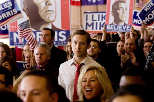 the-ides-of-march-ryan-gosling-in-crowd