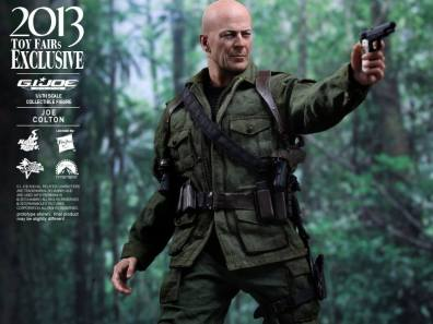 Hot Toys GI Joe Retaliation Joe Colton aiming