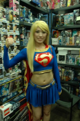 Baltimore Comic Con 2013 - Supergirl