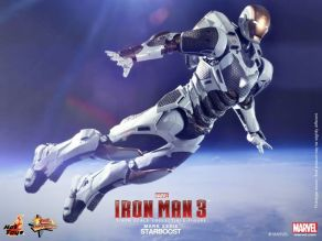 Hot Toys Iron Man 3 Starboost figure - flying