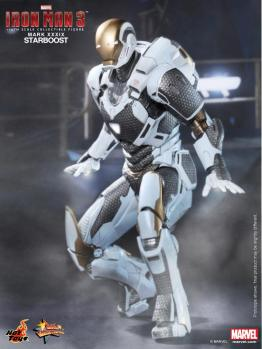 Hot Toys Iron Man 3 Starboost figure - landing